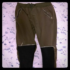 AMERICAN STITCH JOGGERS FOR MEN(USED)
